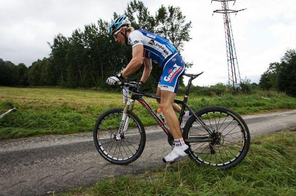 KPŽ Priessnitzova 60 2009 - Jakub Šilar se chystá zastavit, aby odpustil příliš tvrdou zadní gumu
