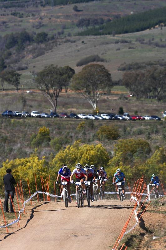 Mistrovství světa MTB XCO 2009 - Canberra /AUS/ - stoupání na druhý vrchol okruhu
