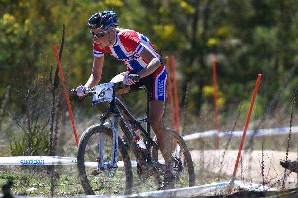 Mistrovství světa MTB XCO ženy 2009 - Canberra /AUS - Lene Byberg se žene po spáleništi Stromlo Forrest Parku