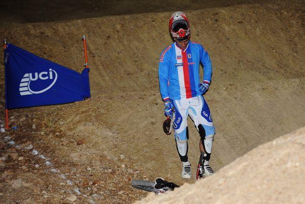 Mistrovství světa MTB 4X 2009 - Canberra /AUS/ - Zklamaný Tomáš Slavík, kdy po defektu nepostoupil do finále