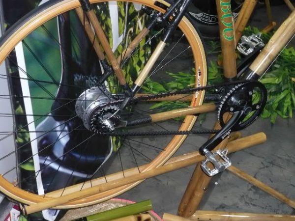 Interbike 2009, Las Vegas /USA/ - kolo vyrobené z bambusu s řemenovým pohonem, foto: Pert Kuba/Pedalsport.cz