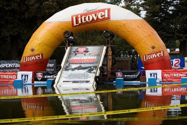 Free Litovel Bobr Cup 2009 - zatím ještě klidná hladina koupaliště...