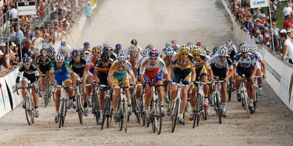 Světový pohár v cyklokrosu - 1. závod 3.10. 2009, Treviso/Itálie - start mužů, foto: Armin Küstenbrück