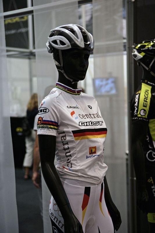 Cratoni 2010 na Eurobike 2009