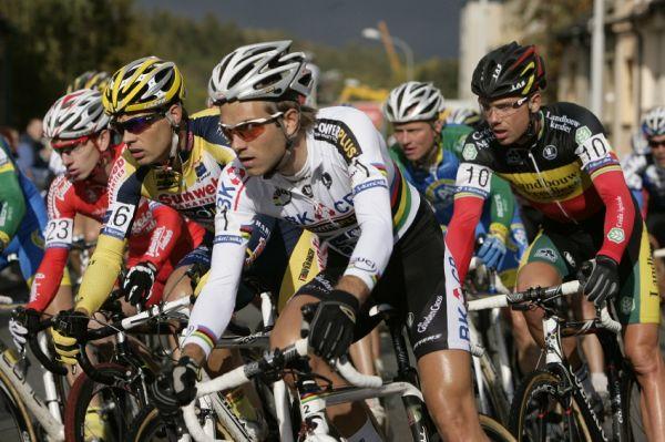 Světový pohár v cyklokrosu #2, Plzeň 18.10.2009 - Niels Albert a Sven Nijs zezačátku vepředu chyběli
