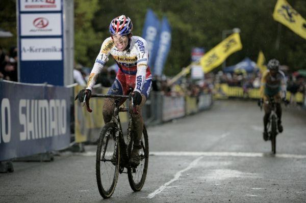 Světový pohár v cyklokrosu #2, Plzeň 18.10.2009 - Zdeněk Štybar dojíždí třetí