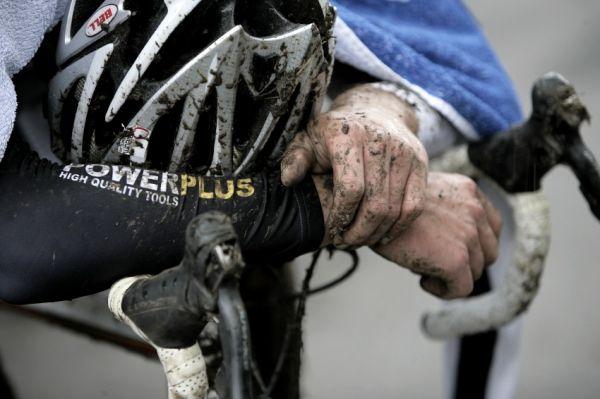 Světový pohár v cyklokrosu #2, Plzeň 18.10.2009 - Radomír Šimůnek si to prásknul