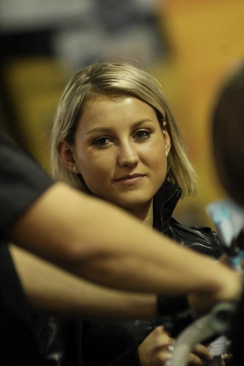 Bike Brno '09 - Faces: slečna