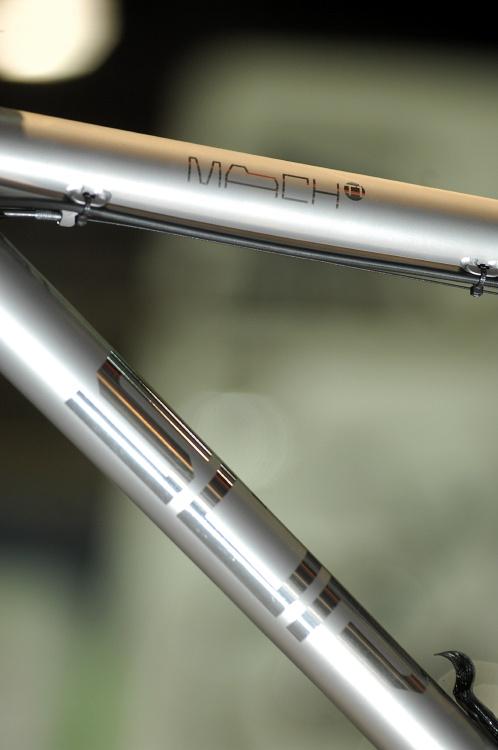 Superior Mach Ti - představení
