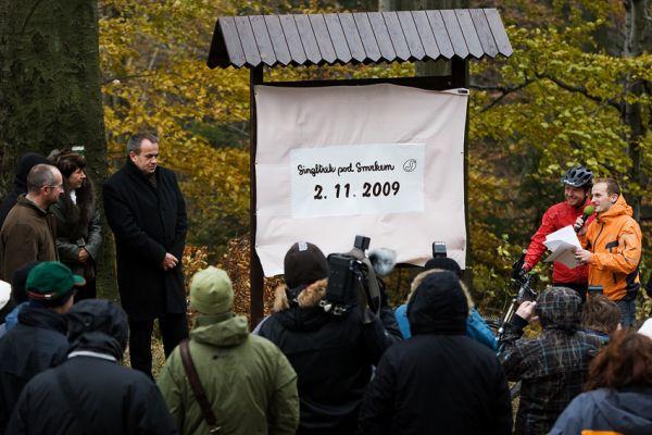 ČeMBA Singltrek pod Smrkem 2009 - poslední chvíle před slavnostním odhalením mapy singltreku