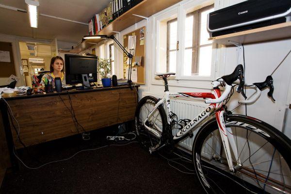 Eleven 2009 - zakázková výroba dresů: na kole jezdí...