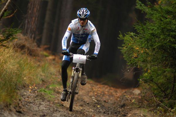 Winter Trans Brdy 2009 - Jan Škarnitzl osamocen na čele
