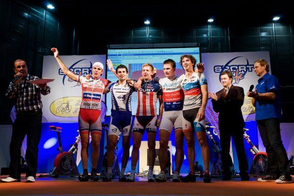 Bike Brno 2009 - závody na trenažérech - finálová pětice toho měla po závodech dost...