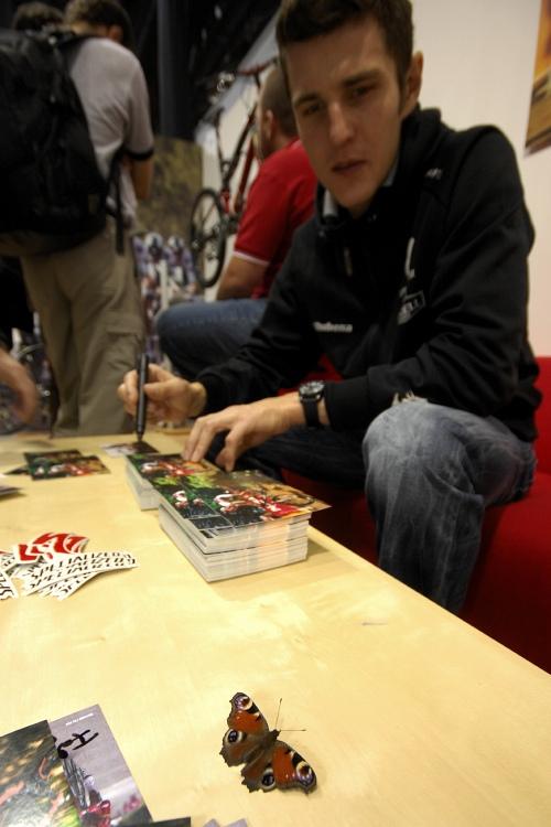Bike Brno '09 - Faces: podpisuchtivý motýl