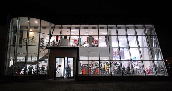 Slavnostní otevření nové prodejny XCR v Brně