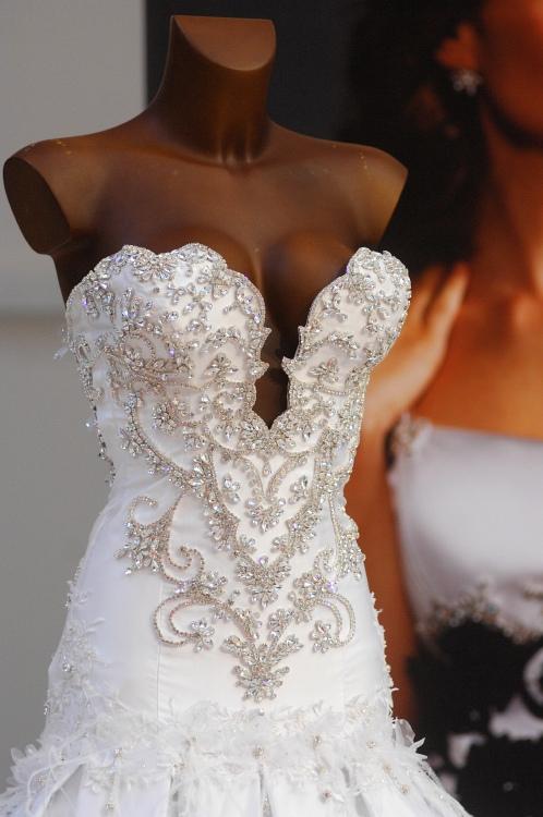 MMotion 2009: Svatební šaty za 3,5 mil. Kč
