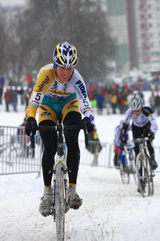 Mistrovství ČR v cyklokrosu 2010, Tábor: Petr Dlask stíhán Radomírem Šimůnkem