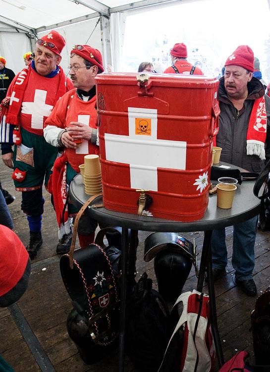 MS cyklokros Tábor 2010 - fanoušci, atmosféra... bylinný nápojový automat Made in Swiss