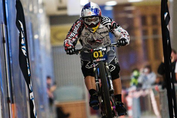 DownMall Liberec 2010: Michal Prokop při semifinálové jízdě