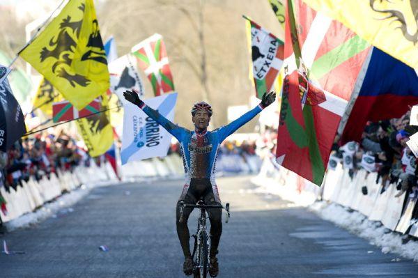 Mistrovství světa v cyklokrosu - Tábor 31.1. 2010, závod Elite - Zdeněk Štybar v cíli, foto: Frank Bodenmüller