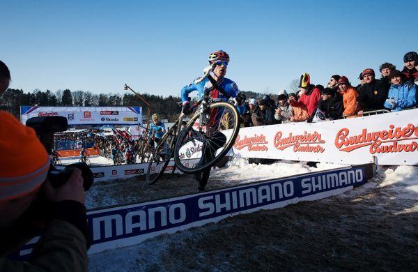 Mistrovství světa v cyklokrosu, Tábor 2010 - Elite: Zdeněk Štybar po startu na špici si běží za svým snem...