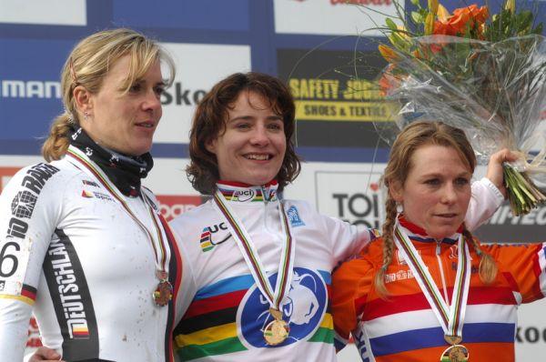 Mistrovstv� sv�ta v cyklokrosu, T�bor 2010 - �eny: 1. Vos, 2. Kupfernagel, 3. Van Der Brand