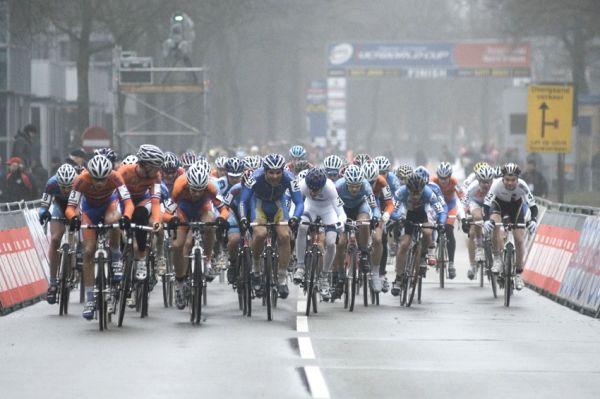 SP cyklokrosařů Hoogerheide 2010 - junioři & U23: start