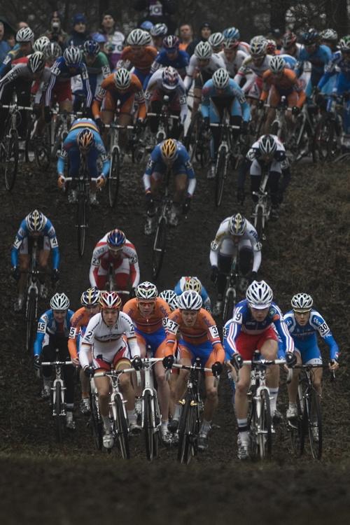 SP cyklokrosa�� Hoogerheide 2010 - junio�i & U23: start U23