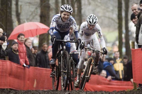 Světový pohár v cyklokrosu #9, Hoogerheide 2010: Holandské trio na čele