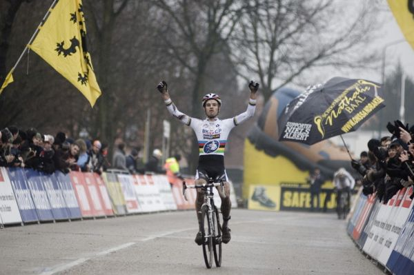 Světový pohár v cyklokrosu #9, Hoogerheide 2010: Niels Albert vyhrává finálový závod