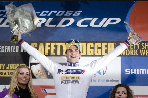 Sv�tov� poh�r v cyklokrosu #9, Hoogerheide 2010: Zden�k �tybar vyhr�l celkov� hodnocen� Sv�tov�ho poh�ru