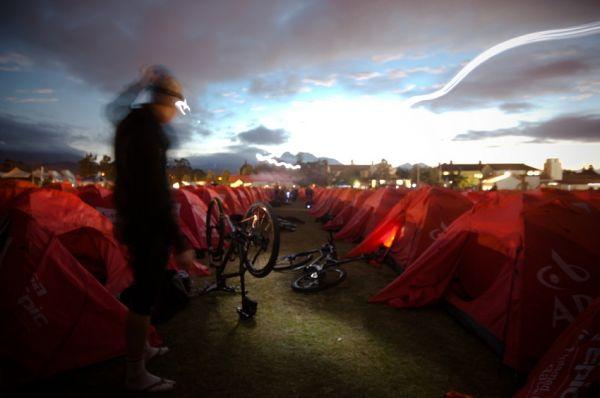 ABSA Cape Epic 2010 - 6. etapa: vstávání ve Worcesteru