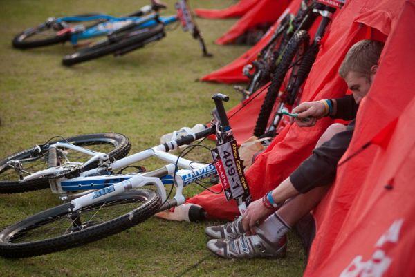 ABSA Cape Epic 2010 - 8. etapa: každý už má ve svém dni systém
