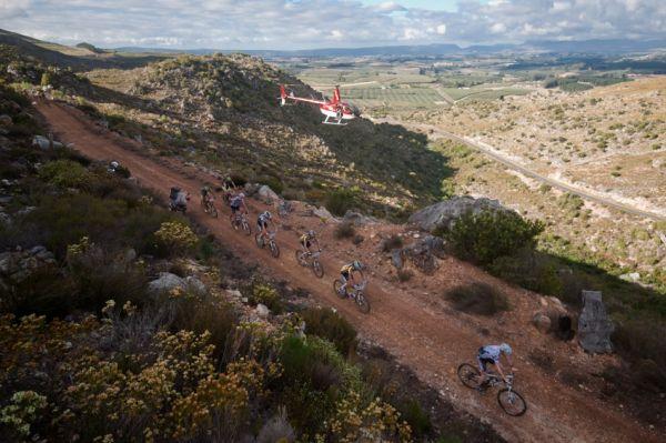 ABSA Cape Epic 2010 - 8. etapa: čelo stále pod dohledem kamer