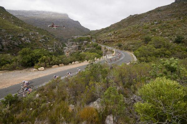 ABSA Cape Epic 2010 - 1.etapa: dlouhý a rychlý sjezd plný zatáček