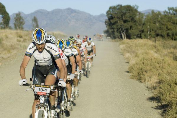 ABSA Cape Epic 2010 - 3.etapa: Bulls na čele