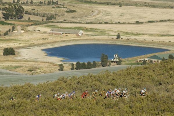 ABSA Cape Epic 2010 - 3.etapa: jedno z dlouhých stoupání