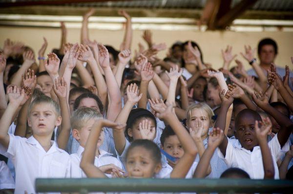 ABSA Cape Epic 2010 - 3.etapa: v cíli závodníky vítaly stovky dětí