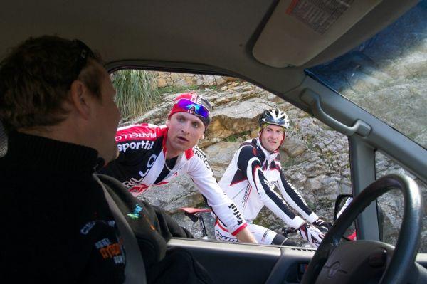 Mallorka 2010 s Václavem Uhrem. Cestou míjíme české cyklisty.