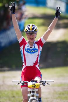 Catherine Pendrel vítězí
