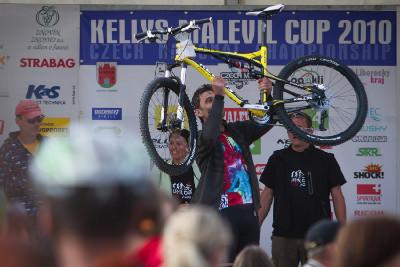 vítěz kola Kelly Fully v tombole