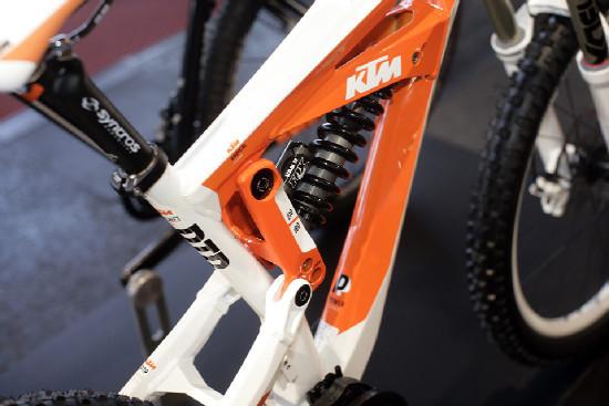KTM 2011 obrazem