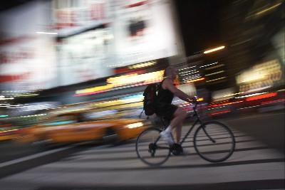 Cyklisté se toho nebojí ani ve tmě