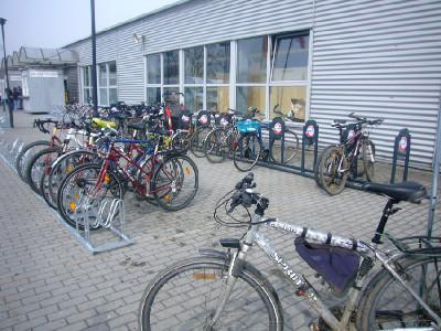 Nabídky přijet na veletrh na kole a získat zadarmo vstupenku využily desítky cyklistů
