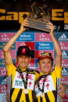 Christoph Sauser a Burry Stander vítězi CE2011