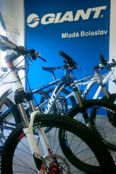 Oficiální otevření prvního Giant Storu v Česku, 20.4. 2011 Mladá Boleslav