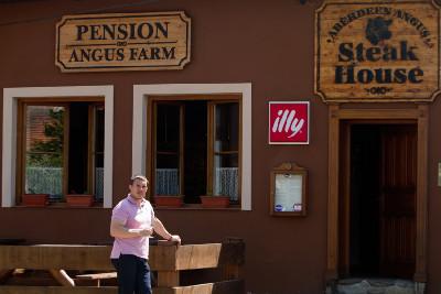 Steak House a pension v Soběsukách