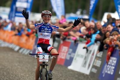Julie Bresset je druhou nejmladší vítězkou v historii světového poháru