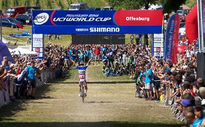Páté vítězství Juliena Absalona