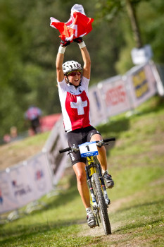 Jolanda Naff vítězí